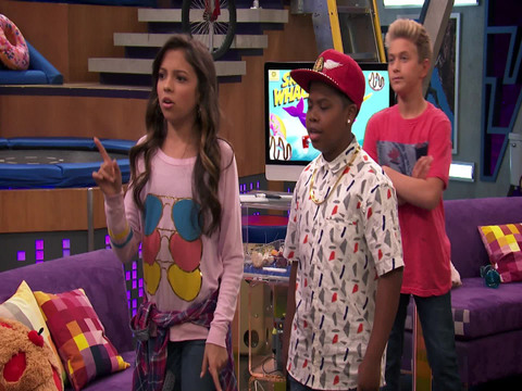 Game Shakers | Short | Liberando las caderas