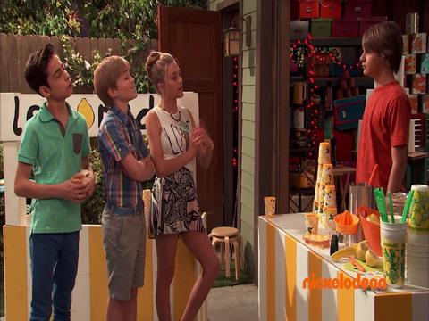 Nicky, Ricky, Dicky & Dawn | Short | Apilar y desapilar vasos
