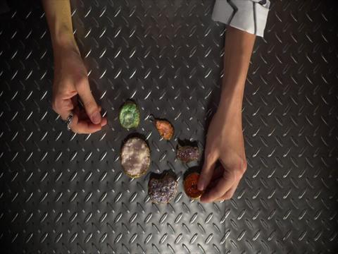 Trendy Labs | S1 | Episodio 5 | Webserie | ¿Cristales hechos en casa?