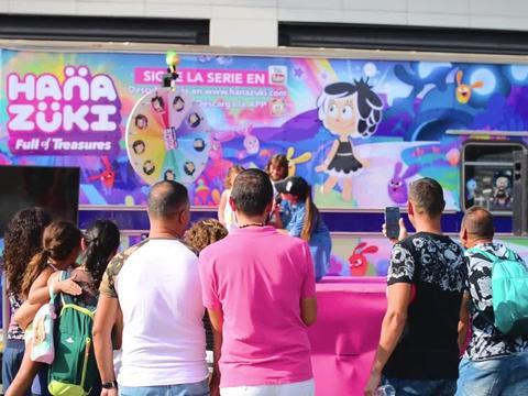 ¡Hanazuki llenó de color el Nick Fest!