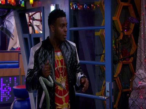 Game Shakers vs Escuela de Rock - Especial Halloween
